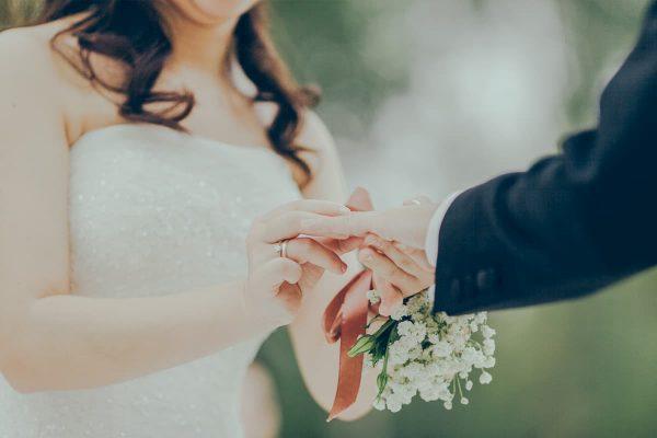 結婚式に出るために