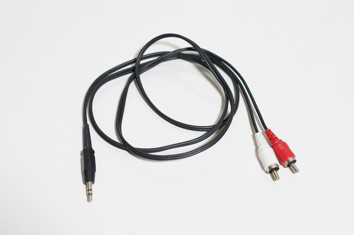 ステレオからミニプラグ変換ケーブル